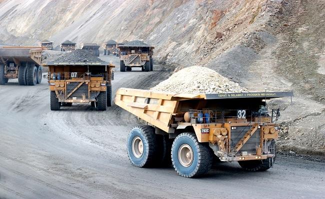 Moody's ajusta perspectiva de industria minera global